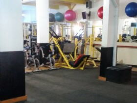 Association Yassine Gym espace legs musculation Agadir